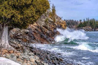 Waves at Split Rock