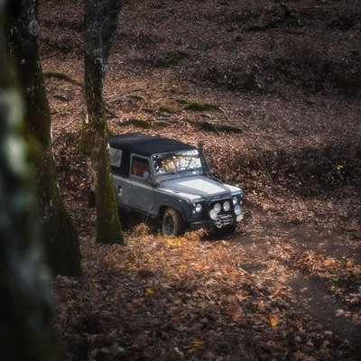 Now if thats not an iconic offroad vehicle I don't know what is. The sound of the V8 through the thick woods of Foloi was music to my ears.