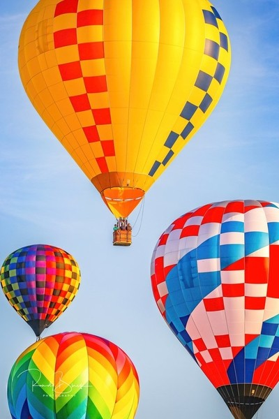 Hot Air Balloon Races!