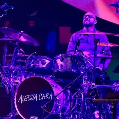 Getting into it, Adrian Passarelli with Alessia Cara in Dublin #dwdrums #evansdrumheads #sabiancymbals #adrianpassarelli #alessiacara #alessiamusic #livemusic #livemusicphotography #livemusicphotos #canon #canonphotography #canonr #drummers #drummersofinstagram