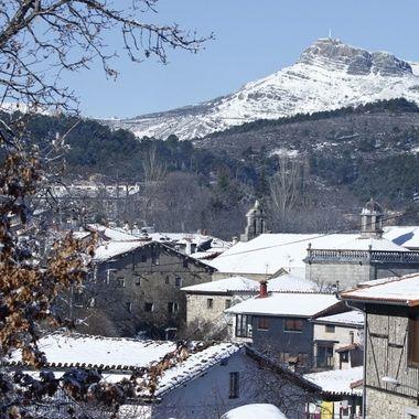 La Alberca, mi pueblo, en la Sierra de Francia (Salamanca-Spain), con nieve.