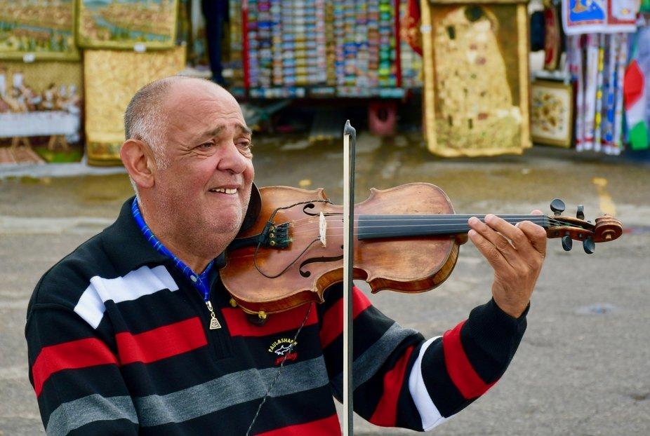 Violinist up on Piazzale Michelangelo