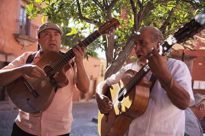 Amazing street music