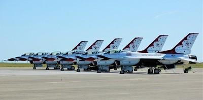 USAF Thunderbirds Ready for Flight