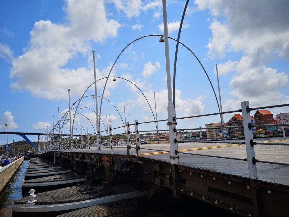 Willemstad Curacao mit schwimmender Brücke