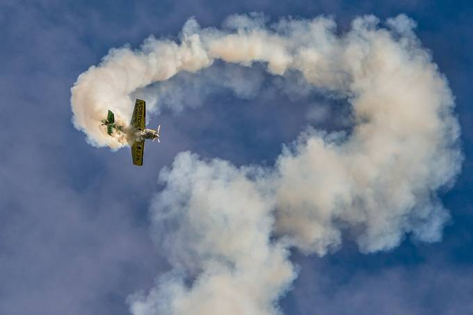 Smoke by Roberobe - Aircrafts Photo Contest