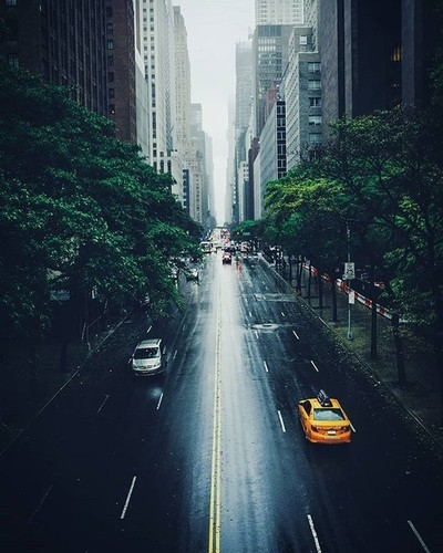 Rainy days in New York . . . #newyork #newyorkcity #nyc #streetphotography #citykillerz #urbanphotography #nycstreetphotography #newyorkgram #travelgram #folkgreen #folksouls #fujifilm #newyorker #travelingram #travelphotography #wanderlust #vibegramz #ny