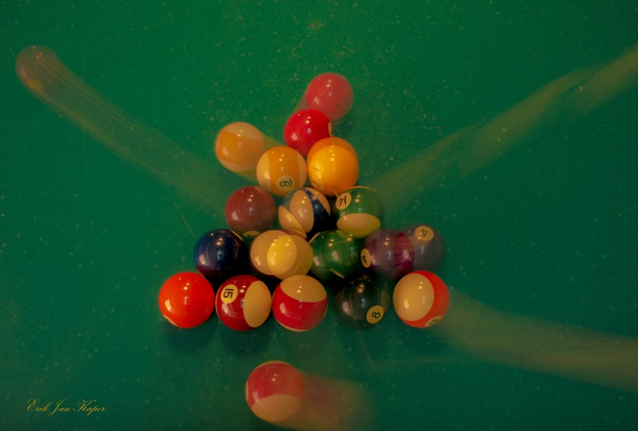 Long exposure, tripod and remote control giving the moving from the colored balls