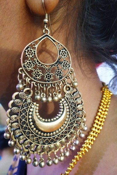 My neice's earring. I liked it very much and clicked this in the wedding ceremony of my nephew.