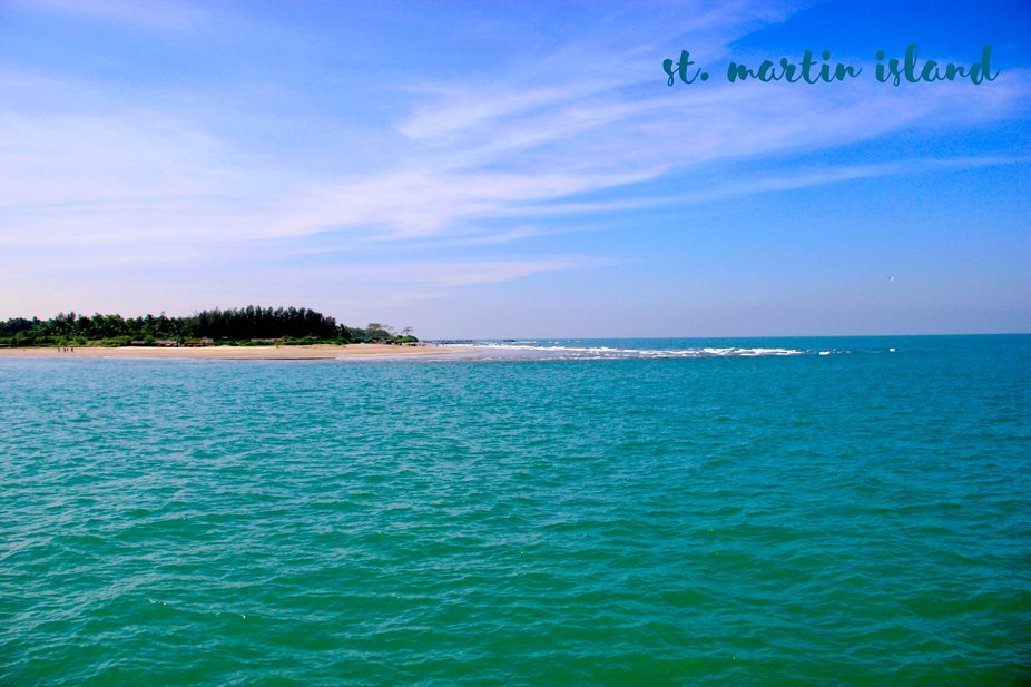 St. Martin's Island (Bengali: সেন্ট মার্টিন্স দ্বী�...