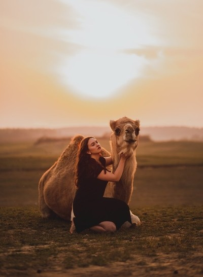 Mirjam and the camel
