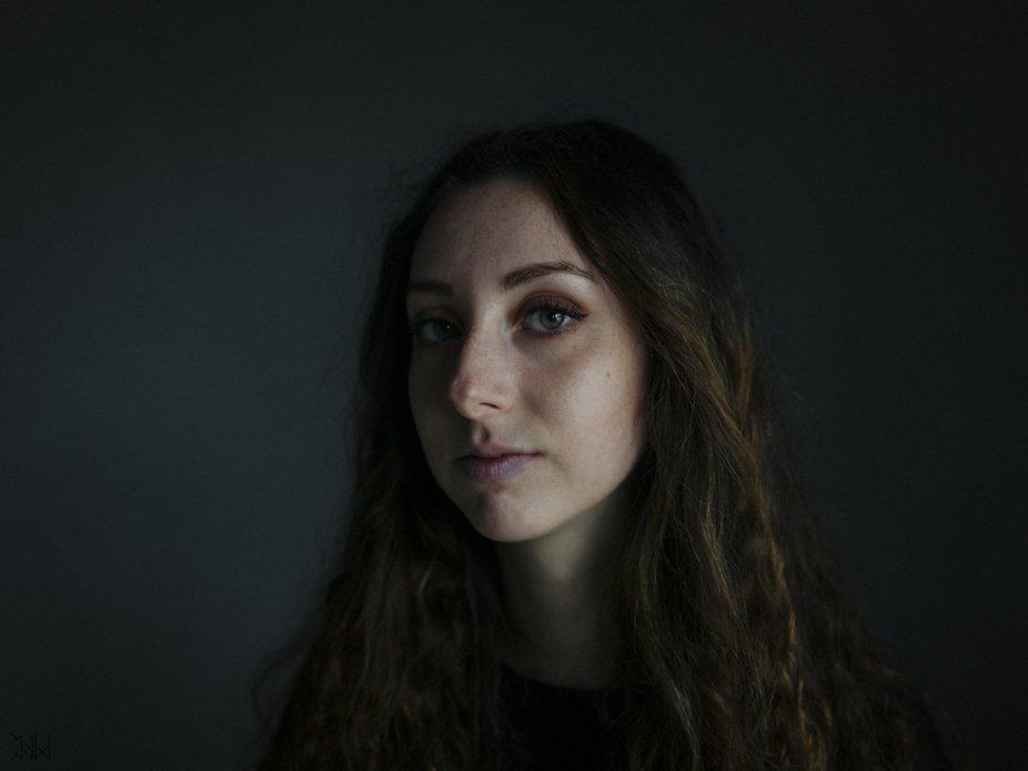 A new portrait of my girlfriend, Pamela.  Shot with Hasselblad H4D, medium format.