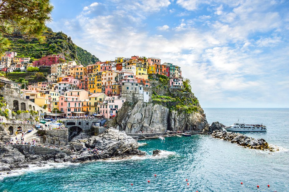 Noon time at Manarola, my dream to see this place 5 Terre.