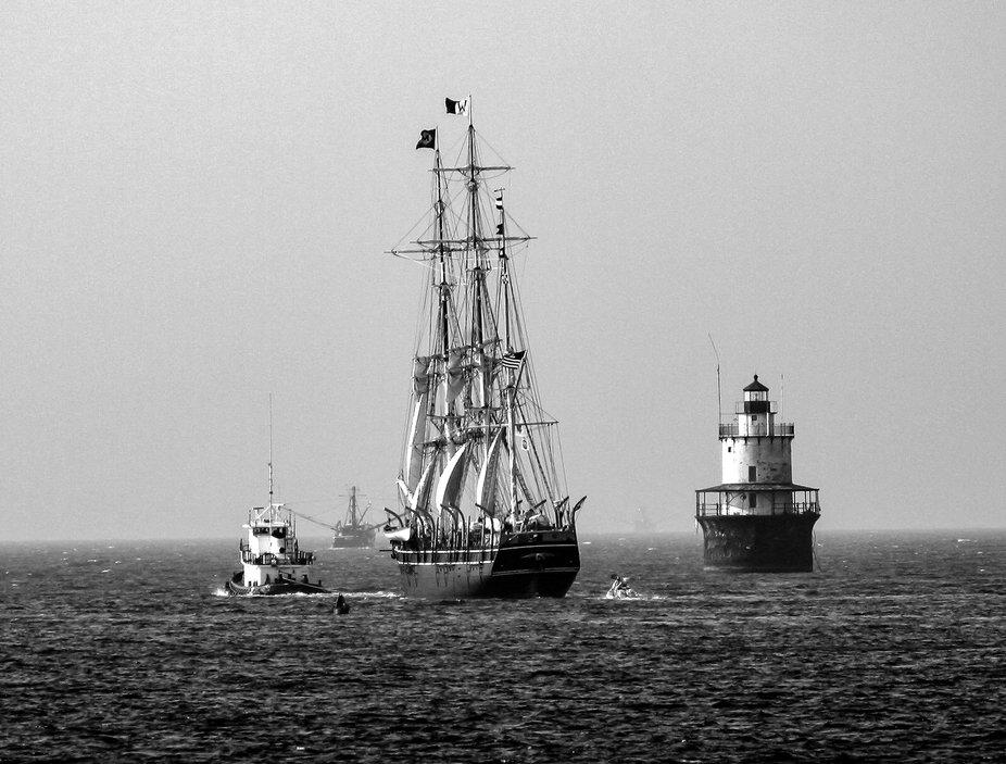 Charles W Morgan (Sailing into the past)