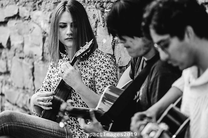 Musician's Acoustic Moments canon 6D tamaron 70-200 f/2.8