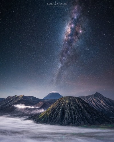 Milkyway on mount Bromo — free luminosity mask panel download on my website.. www.fabioantenore.ch