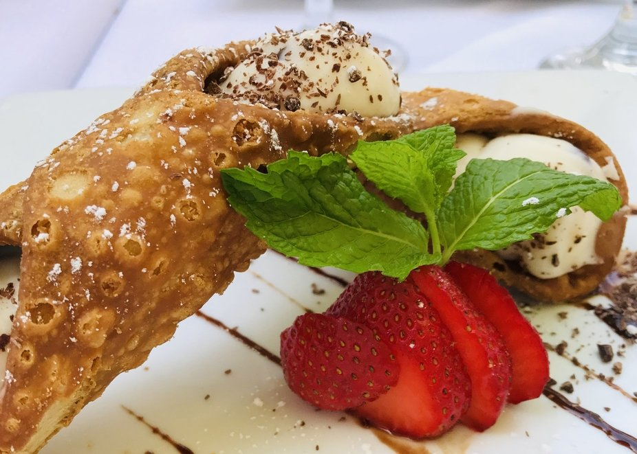 Canolli Strawberry Mint Dessert