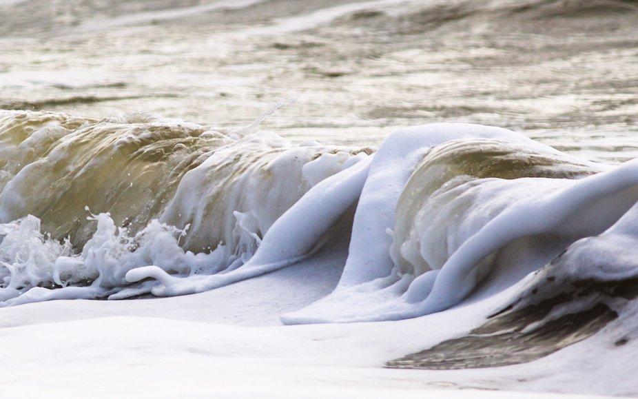 Sea foam waves