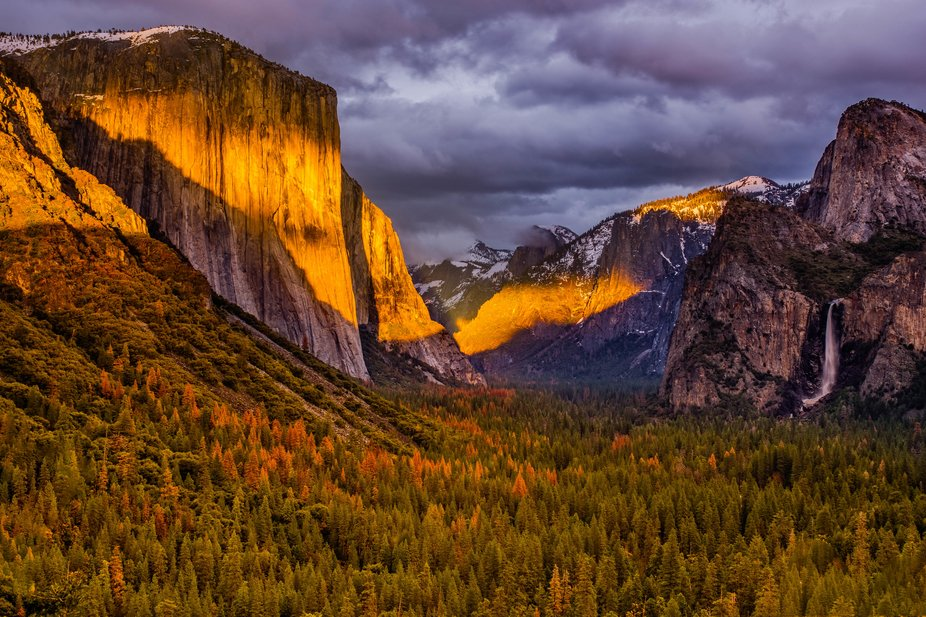 Break in cloud, Yosemite Valley with El Capitan, Half Dome and Bridalveil Falls from Tunnel View