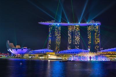 marina bay sands light show - singapore - 6