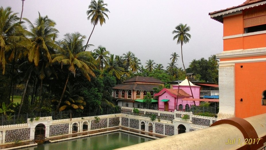 Colorful surrounding near Shri Manguesh Shiva Temple