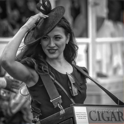 Selling Cigars In B&W