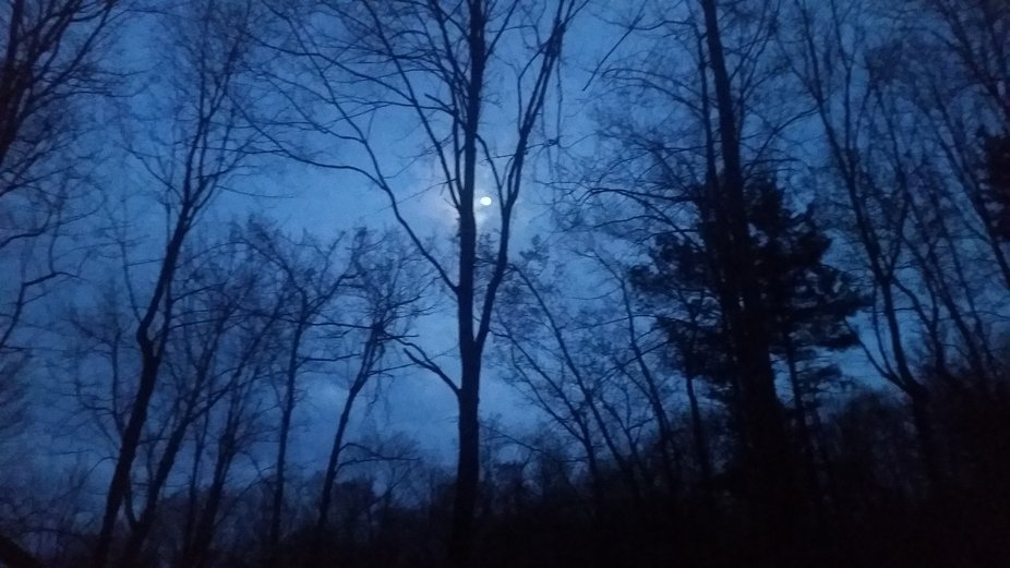 moon{lit}