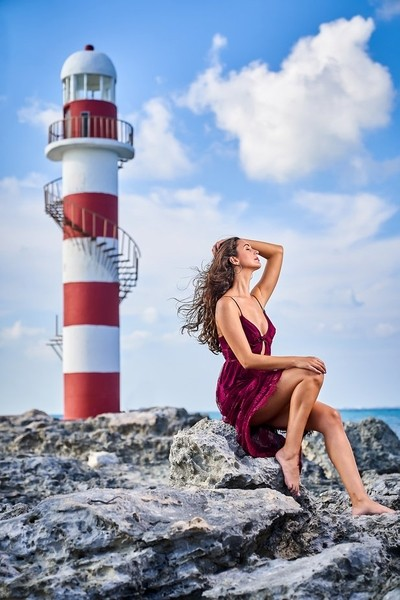 Beauty and the sea