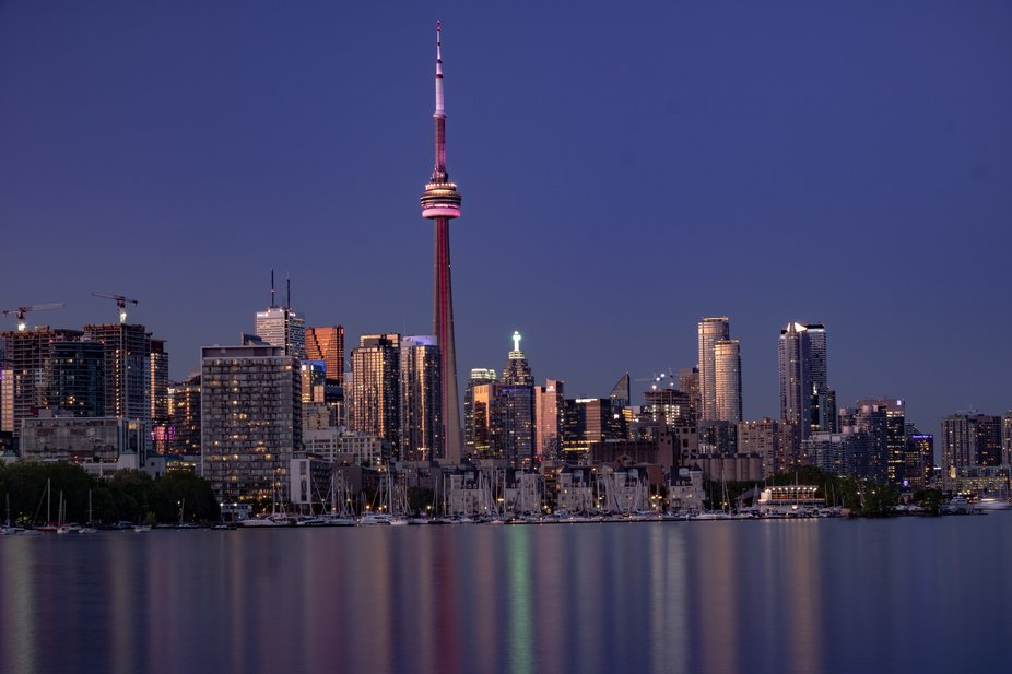 The view of Toronto's famous waterfront and tower from the Trillium Trail walkway on a p...