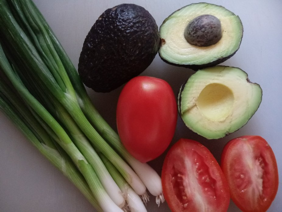 Tomatoes, Avocados and Green Onions