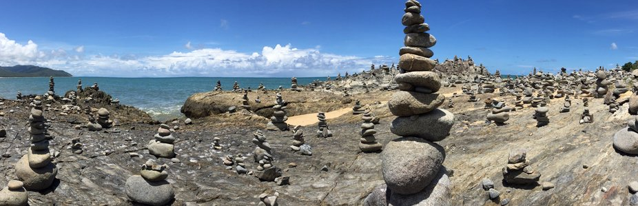 I guess stone stacking is a thing ???? looks amazing !