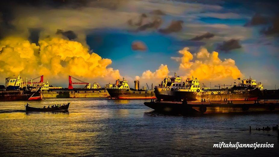Naval dusk beauty