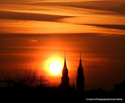 Sunrise and St. Lorenz