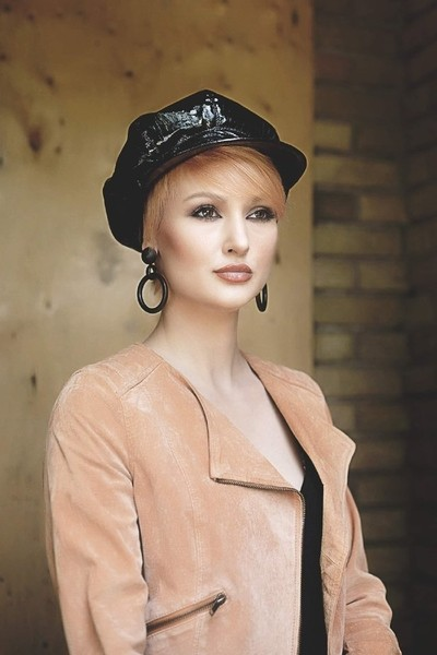 danielle model worked with this gorgeoua girl