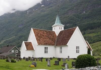 olden old church