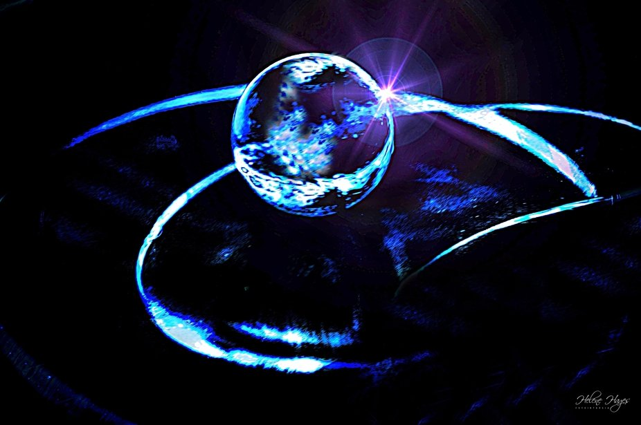 Take a glassmarble and 3 lenses, put them together and edit. If you are a Trekkie like me, it´s ...