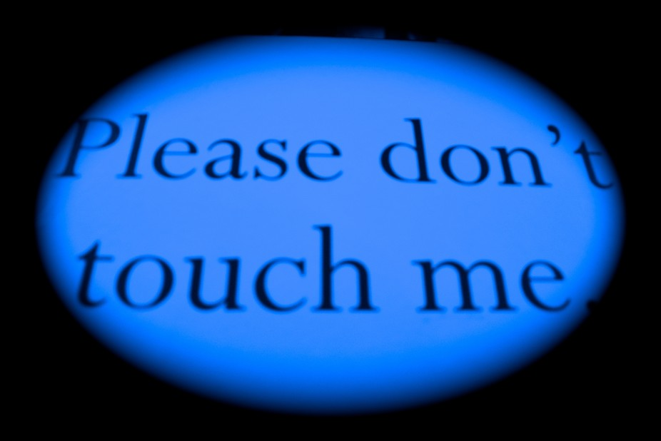 don't/touch