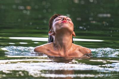 Giulia at the lake 1