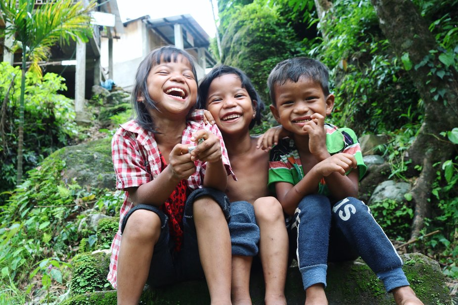 Those smiling face poses for me in nongriat village in cherapunji