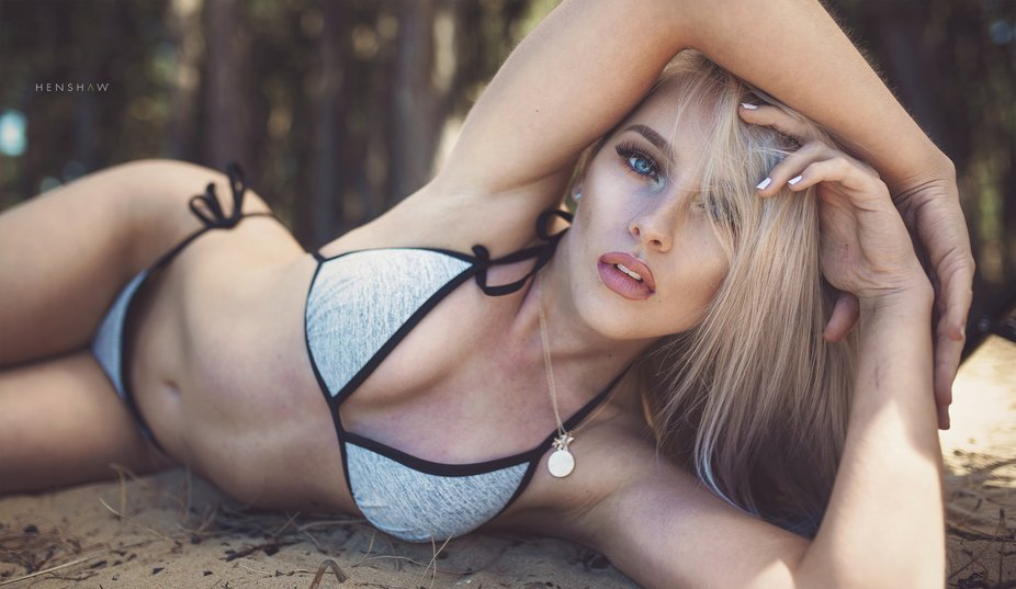 Captured some beautiful natural light beach images with UK model Kelsey earlier this month as a p...