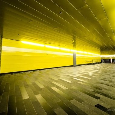 Montreal Underground - Yellow