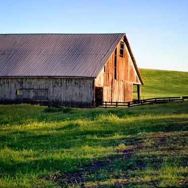 ES6A1708-Old Barn near sunset