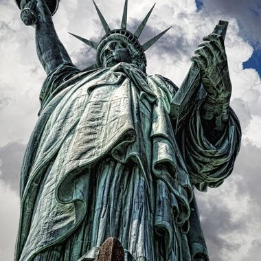 _S6A8968_Lady Liberty with clouds background