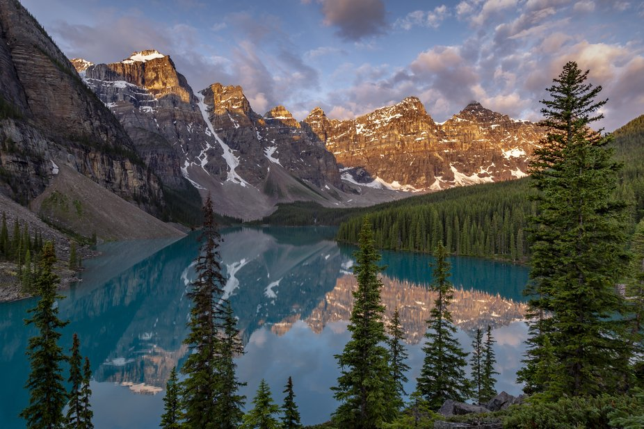 An early 2am wakeup to make the drive from Calgary to one of the most famous spots in Banff Natio...