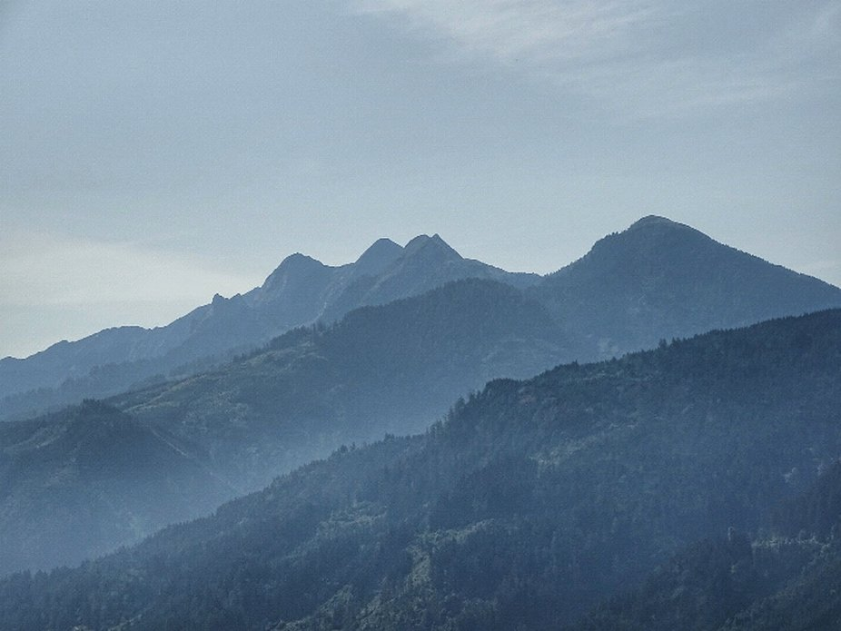 Hazy morning mountains