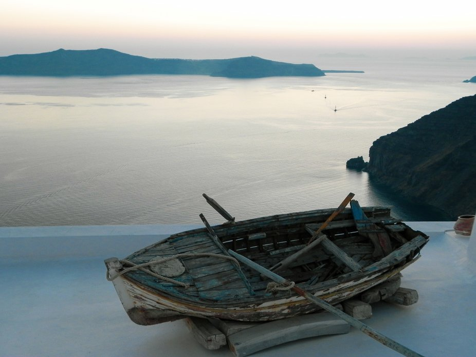 Old Boat _ Santorini