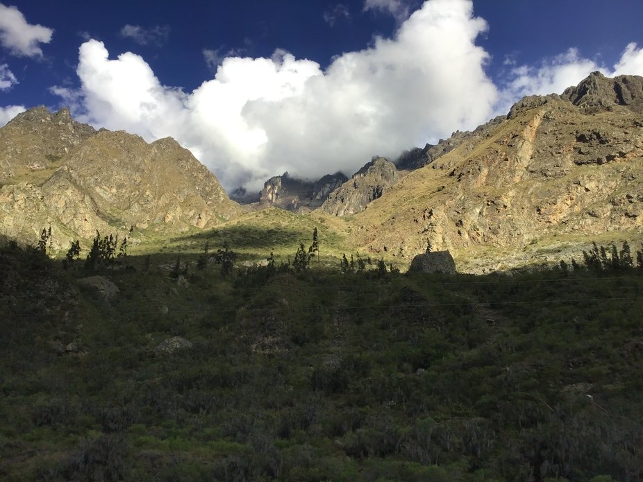 File name	Sacred Valley, Peru IMG_3303.jpg  File Size	2.4MB  Camera Model Name	iPad (6th generati...