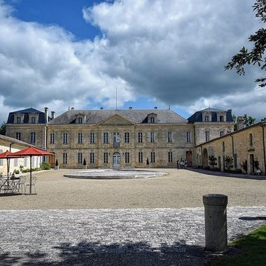 Chateau Soutard Winery - Saint Emilion, France_(80)jpg