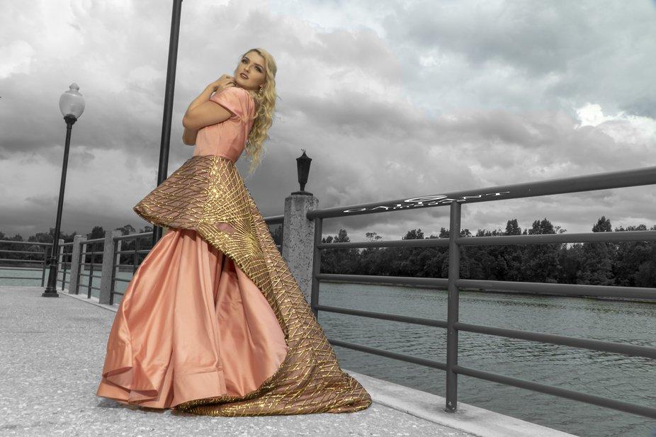 Model: Amanda Fiorelli  Design: Inna Rudenko  Photo: Gallant Images
