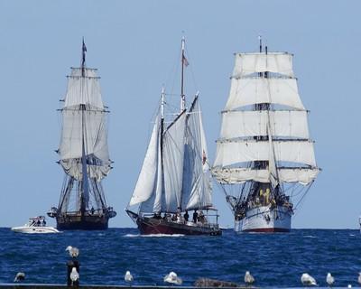 Three Ships A Sailing!!